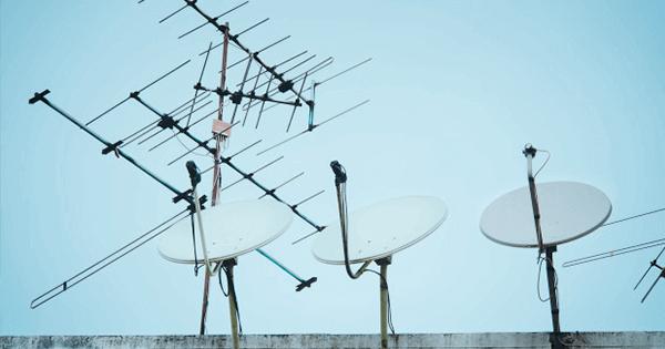 Tv satelit lebih bisa memberikan sinyal yang baik dan stabil